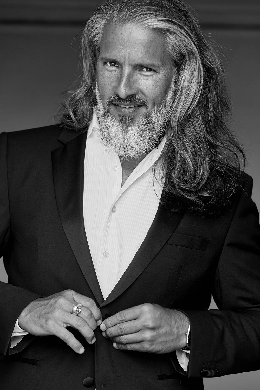 Sergi - international silver model- I am management