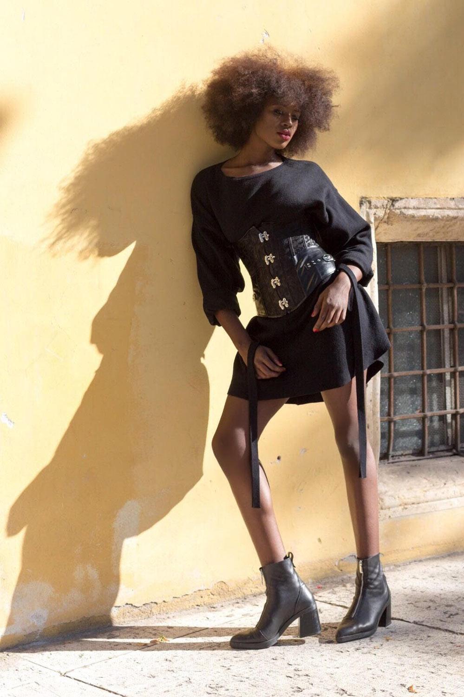 Ibiza modella nera disponibile per sfilate, fashion shooting, spot pubblicitari, cinema, tv, lingerie Roma e Milano I am management