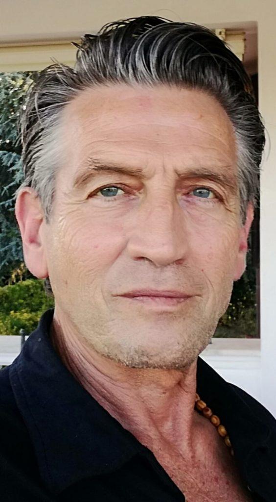 attore sessantenne per serie tv, spot pubblicitari, commercials, advertising e servizi fotografici