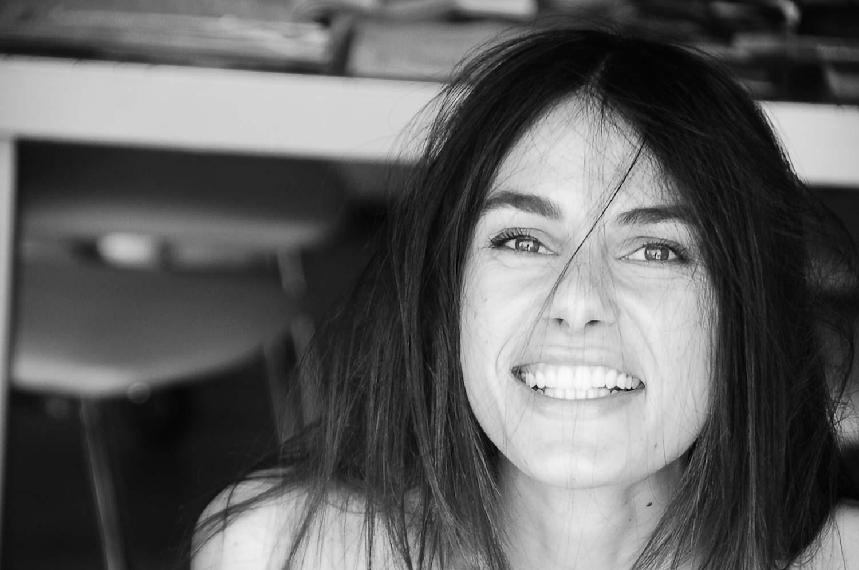ATTRICE ABRUZZESE CINEMA TEATRO SPOT PUBBLICITARI ITALIANA CAPELLI MORI