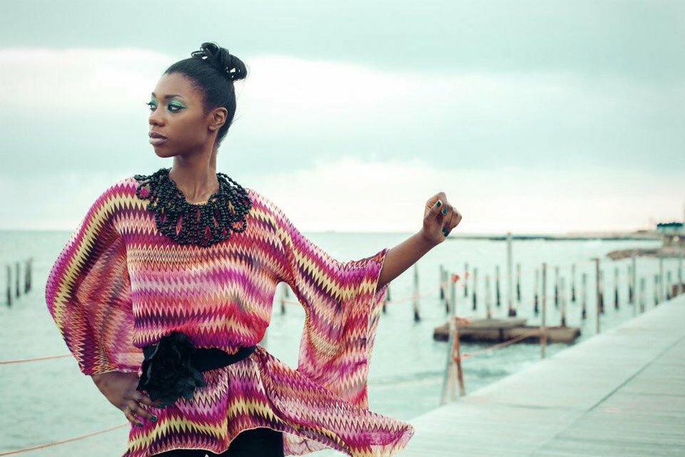 Black model available in Rome for shooting, shows, cinema, commercials