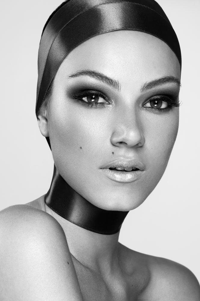 modella mediterranea per shooting beauty servizi fotografici foto instagram fashion video glam