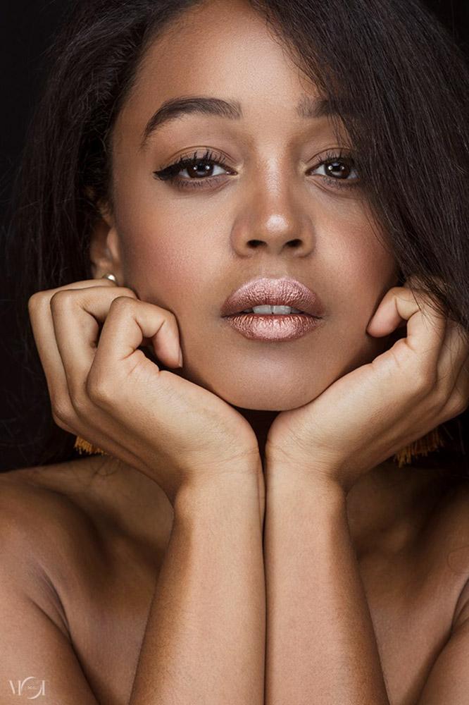 modella e attrice a Roma e Londra per shooting fotografici, pubblicità e film
