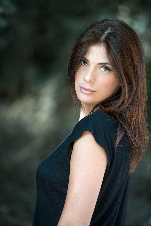 attrice comica , presentatrice, conduttrice, attrice per spot pubblicitari e TV