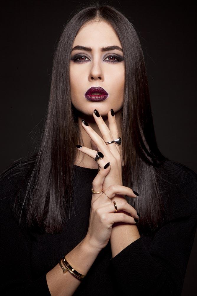 Marta V modella per showroom, spot pubblicitari shooting costumi da bagno, sposa, lingerie, catalogo fashion, sfilate, eventi Roma.