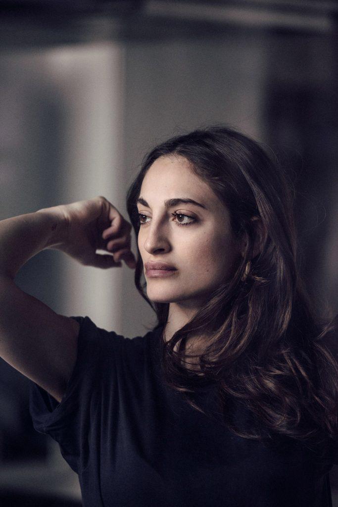 attrice a Roma per Tv, serie, spot pubblicitari e cinema
