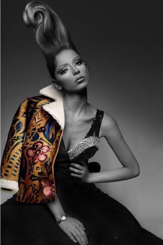 Zhamak modella iraniana Roma