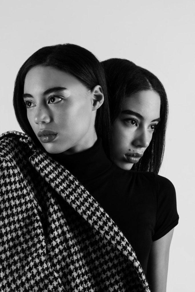 modella gemella servizi fotografici sfilate cataloghi intimo model twins