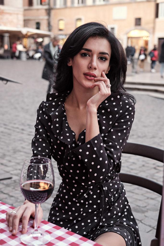 modella mediorientale azera modella mediterranea modella castana modella mora a Roma