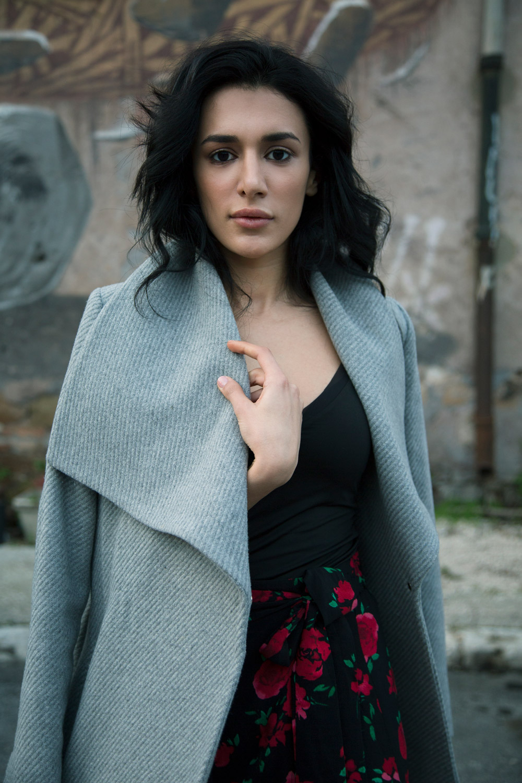 Dinara modella medio orientale a Roma per servizi fotografici, spot TV, cataloghi