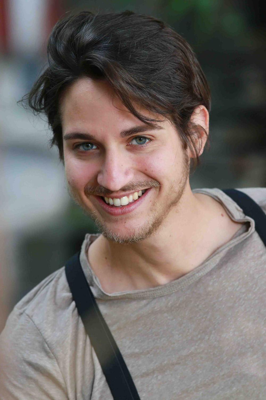 attore siciliano serie tv, netflix, raiuno, amazon prime, attore occhi verdi