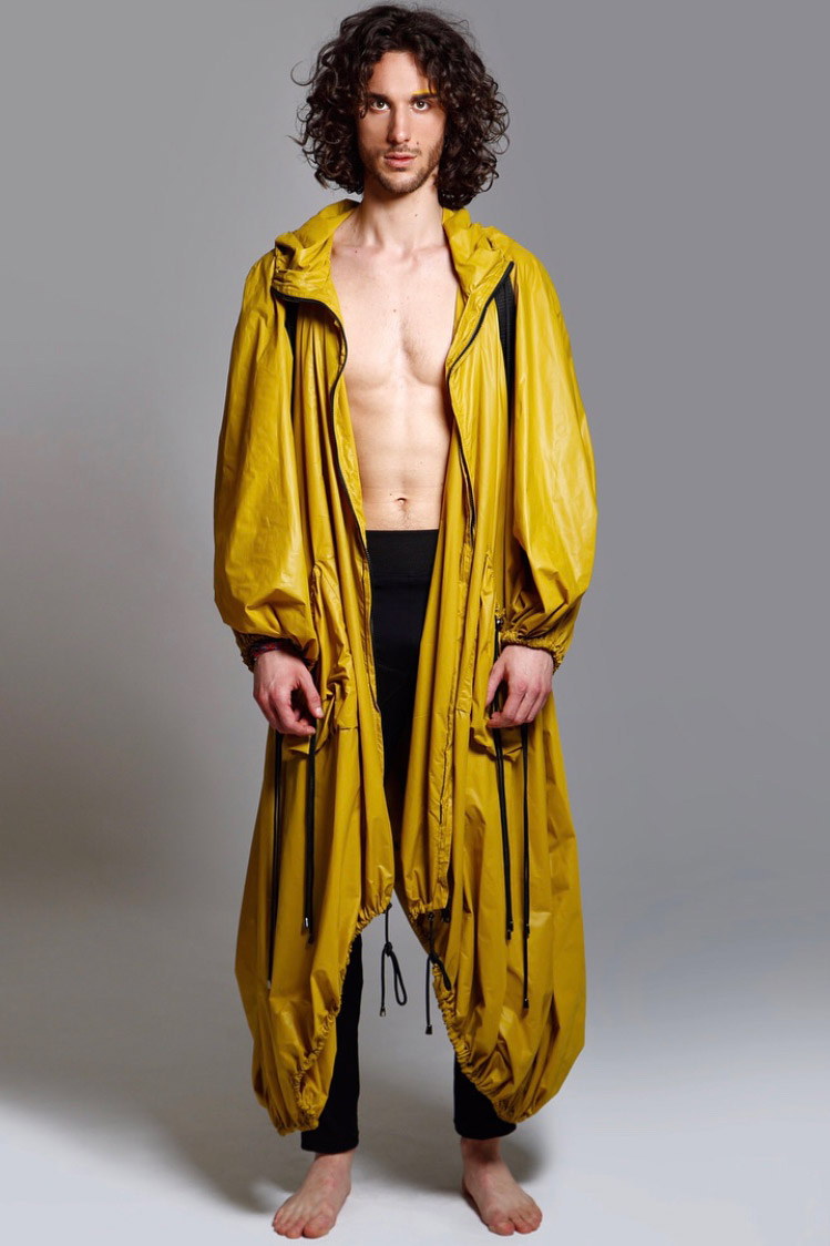Federico L modello capelli lungi per sfilate, runway,catwalk, model for editorials