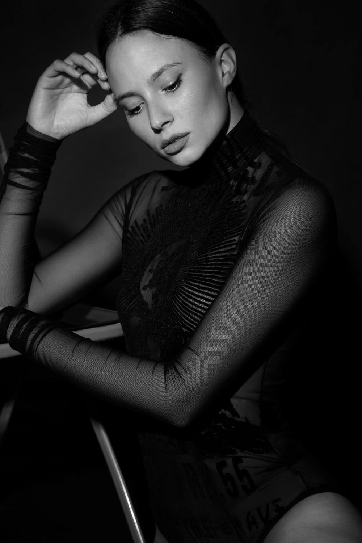 modella mora mediterranea modella toscana, servizi fotografici, sfilate, fashion model lingerie