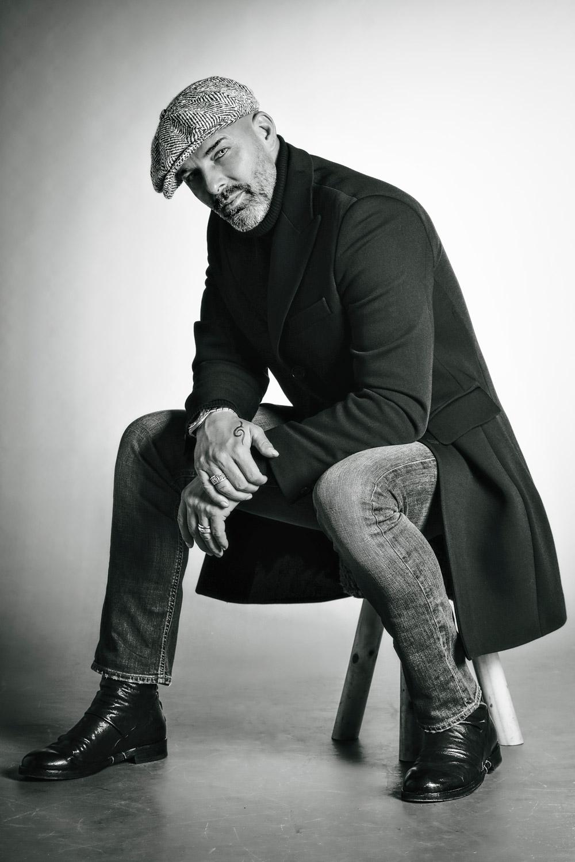 Modello attore ballerino coreografo over 50 anni uomo manager pubblicità