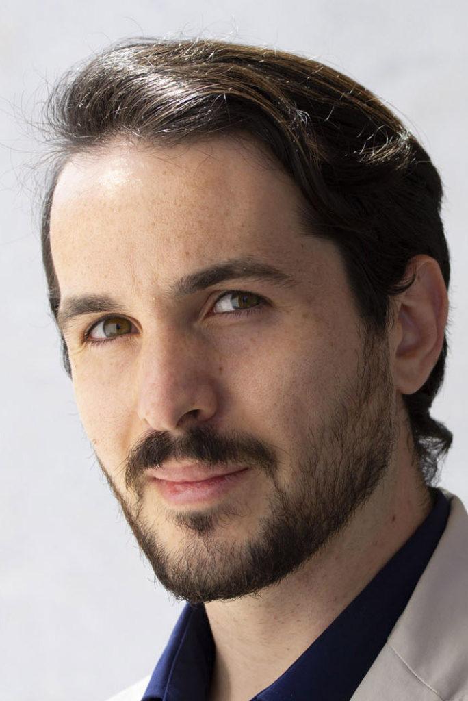 attore pugliese disponibile a Roma per cinema, spot pubblicitari, servizi fotografici e serie TV